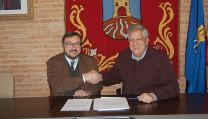 Cifuentes firma un convenio con la jefatura provincial de - Jefatura provincial de trafico de badajoz ...