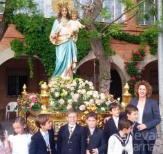 Multitudinaria procesión de María Auxiliadora