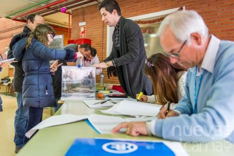 El Defensor del Pueblo solicita facilitar el voto por correo desde el exterior