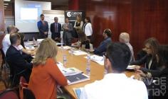 Una veintena de empresarios se informan sobre medios de cobro y pagos internacionales en una jornada de CEOE