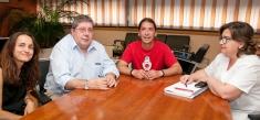 El Hospital de Guadalajara renueva su convenio de colaboración con 'Los Payapeutas'