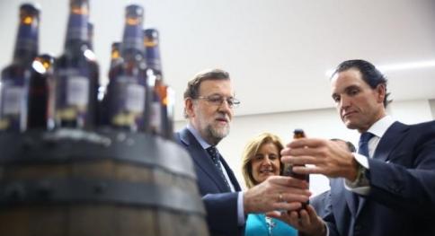 Rajoy presume de los datos de empleo desde la fábrica de Mahou de Alovera