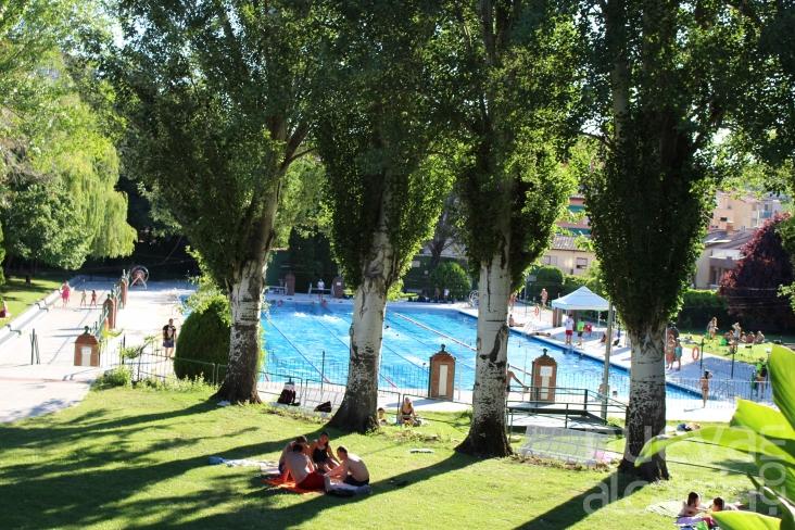 Cerca de ba istas han hecho uso ya de la piscina de for Piscina municipal san roque