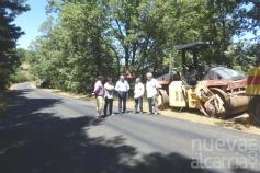 La Diputación mejora el firme y la señalización de la carretera de Valverde de los Arroyos