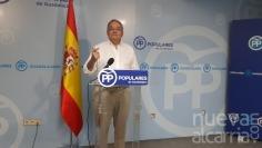 """De las Heras destaca como un """"acto de responsabilidad"""" que Rajoy haya aceptado el encargo del Rey"""
