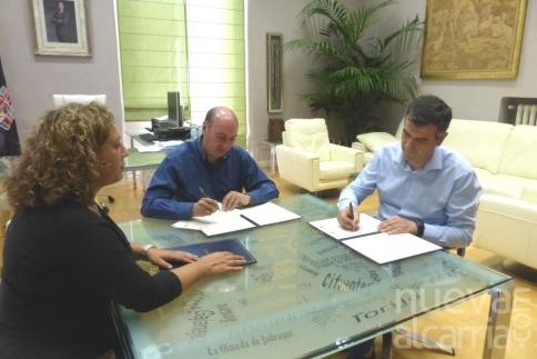 Diputación y Ayuntamiento de Guadalajara renuevan la colaboración para atender necesidades de emergencia social