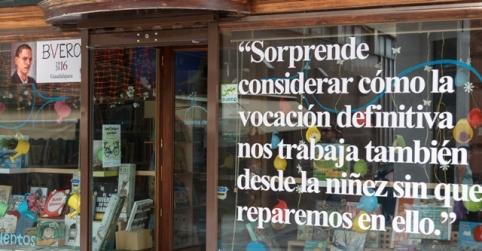 Las frases de Buero Vallejo se apoderan de los escaparates de Guadalajara