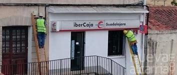 Intentan robar en la sucursal de Ibercaja de Alcolea del Pinar