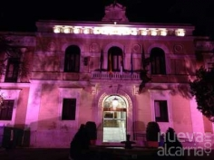 La fachada de la Diputación lucirá de rosa en apoyo y solidaridad con la lucha contra el cáncer de mama