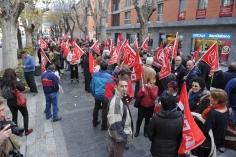 Unas 300 personas se concentran ante la Subdelegación contra las políticas del Gobierno