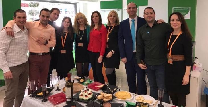 Iberdrola inaugura una nueva oficina oficial en for Oficina iberdrola elche