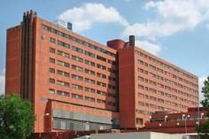 PP y PSOE se enredan a cuenta de la planta novena del Hospital