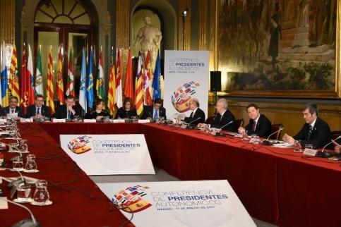 Page acepta la propuesta de Murcia de abordar un pacto del agua en el que se hable también de desaladoras