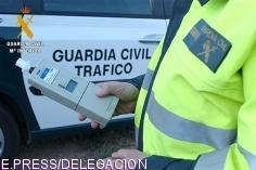 La Guardia Civil investiga al conductor de un camión por septuplicar la tasa de alcoholemia