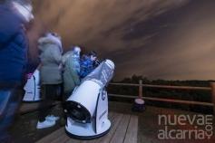 Cerca de un centenar de personas desafían a las nubes en la observación astronómica de Valdenazar