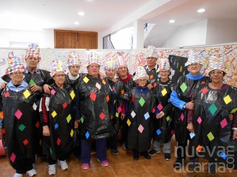 Los mayores de Brihuega y sus pedanías celebran juntos el carnaval
