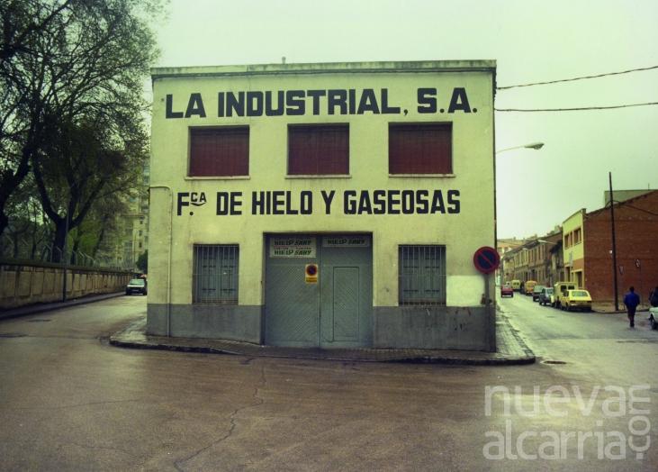 Una fábrica que fue emblemática en Guadalajara... La Industrial S.A. ...