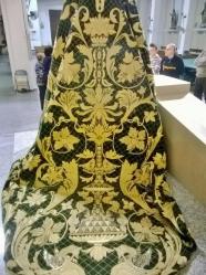 Mantos y túnicas de más de 50 años y otros recién estrenados visten a las imágenes de las cofradías de C-LM