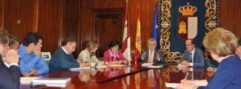 Tres centros de Guadalajara ven paralizadas sus obras por el rechazo a los Presupuestos regionales