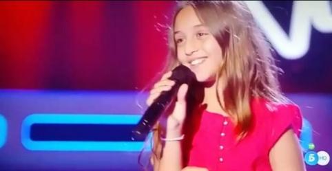 La pequeña de Alovera, Aitana, gana las batallas de 'La Voz Kids'