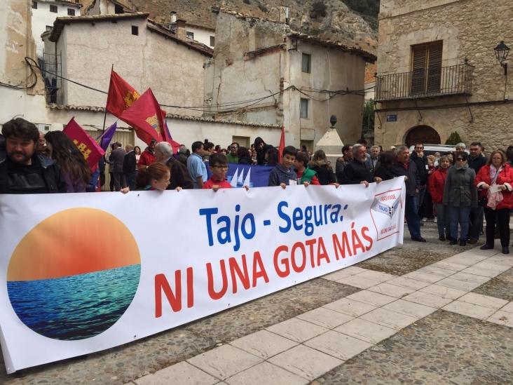 Castilla-La Mancha recuerda que el Levante tiene la alternativa de las desaladoras para no hipotecar el futuro de esta región