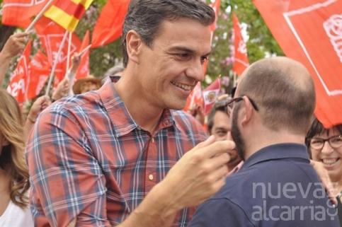 Pedro Sánchez se impone en las primarias del PSOE en la provincia y el país