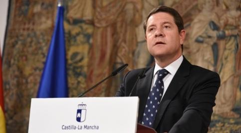 """El presidente García-Page anuncia el inicio de contactos con los grupos parlamentarios para """"desbloquear"""" los Presupuestos Regionales de 2017"""