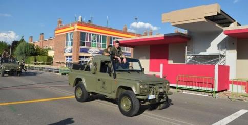 Numerosas autoridades nacionales y regionales acompañarán a los reyes en el desfile militar
