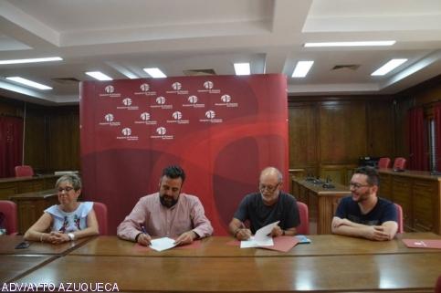 El Ayuntamiento apuesta por las tradiciones con el convenio firmado con la Asociación de Amigos de la Ronda