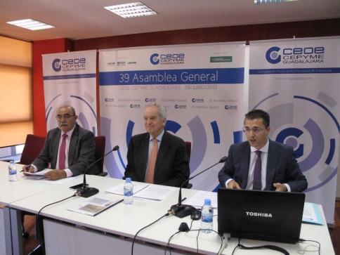 CEOE-Cepyme hace balance de un 2016 de