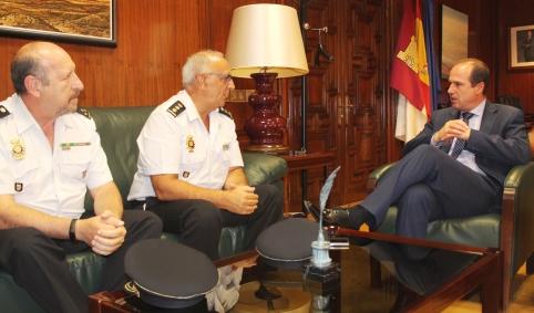 El delegado de la Junta se reúne con el comisario del Cuerpo Nacional de Policía en Guadalajara