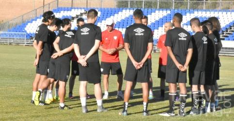 Solo once jugadores aparecen en el primer entrenamiento del Deportivo