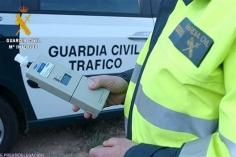 Detenido en Alovera un camionero que sextuplicaba la tasa de alcohol permitida