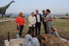 Felpeto visita el yacimiento del Cretácico Superior de Buendía en Sacedón