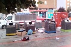 El Ayuntamiento azudense recuerda que existe un servicio gratuito de recogida de muebles viejos