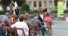 El festival Arriversos llenó El Jardinillo de poesía en la Fiesta Grande de Guadalajara