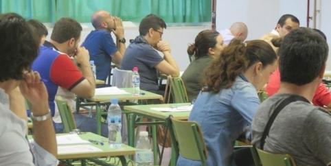 Los 414 aspirantes a secretarios-interventores de ayuntamientos se examinan este sábado