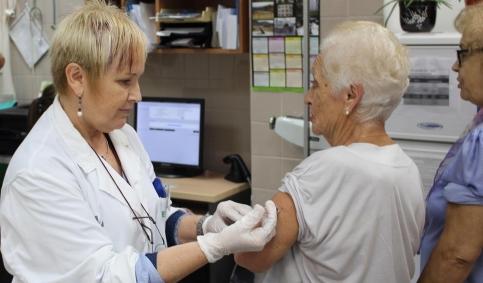 El 57,47% de los mayores de 65 años de Castilla-La Mancha se vacunaron contra la gripe el año pasado