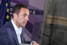 El Gobierno regional concede el III Premio Luisa de Medrano en favor de la igualdad de género a Miguel Lorente