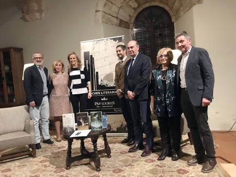 Isabel San Sebastián protagonizó la velada literaria seguntina del mes de marzo