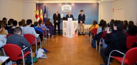 La Diputación acoge a los participantes en el Concurso de Jóvenes Talentos de Relato Corto de Coca-Cola