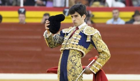 El torero Alberto López Simón, ganador del premio Su Peso en Miel