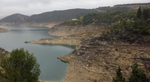 El Gobierno regional apoyará la bonificación del precio del agua de las desaladoras