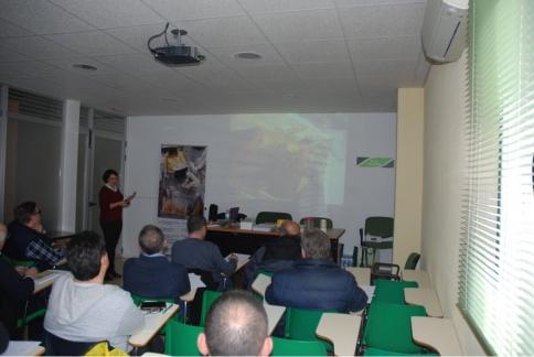 Más de un centenar de  apicultores participan en las segunda edición de los seminarios técnicos