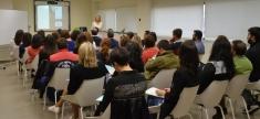 Casi medio centenar de comerciantes y empresarios aprenden 'Marketing de guerrilla'