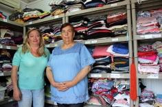 El ropero social de Valdeluz ya ha satisfecho las necesidades de ropa de 660 personas sin recursos