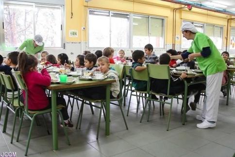 La Junta abre por tercer verano consecutivo los comedores escolares beneficiando a más de 4.200 alumnos y alumnas
