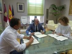 La Diputación colabora con el programa de apoyo a la maternidad en situación de dificultad de la Asociación Red Madre