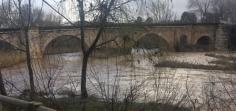 Rescatan en la capital a un hombre que cayó accidentalmente al río Henares