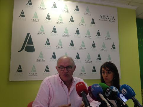Asaja presenta una denuncia contra las industrias del sector vitivinícola de C-LM por alterar los precios de la uva